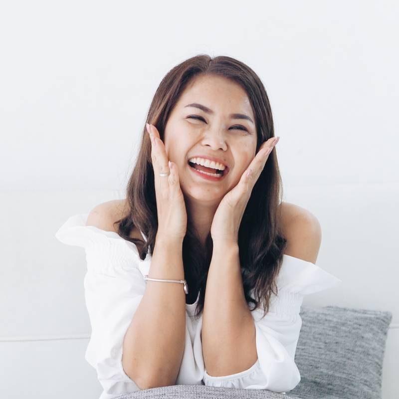happy-filipina-800x800px